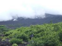7/21 須走5合目から6合目 頂上は雲で見えない