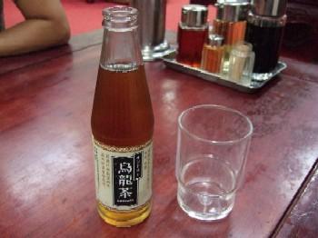 10/6  瓶入りウーロン茶 萬金餃子