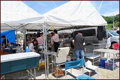 会場のテント