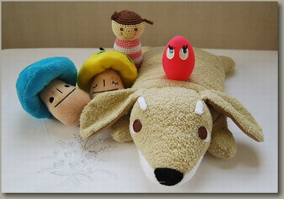 可愛いおもちゃと枕