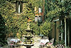 フローラの中庭