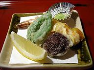 梅弁当に付いている天ぷら