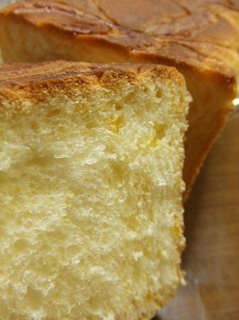 『布袋屋の蒸しパン』『ナチュラルの豆パン』<br />
