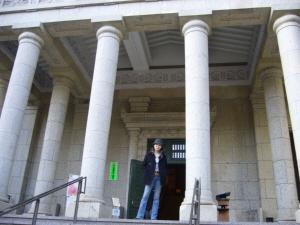 学院玄関1