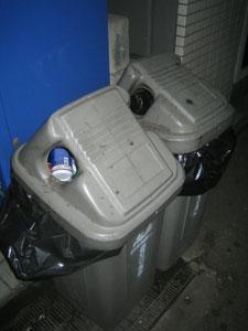 ゴミ箱67