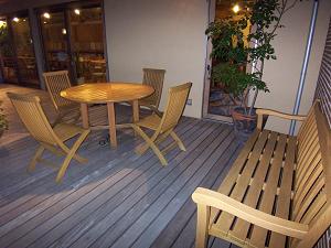 再生された家具