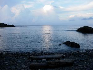 20060909-4-民宿の裏の海