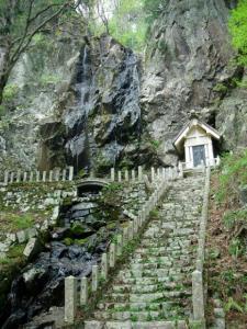 20070504滝神社