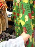 りんご柄の洋服。・・・欲しいの?