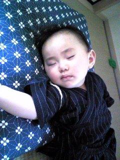 疲れて熟睡