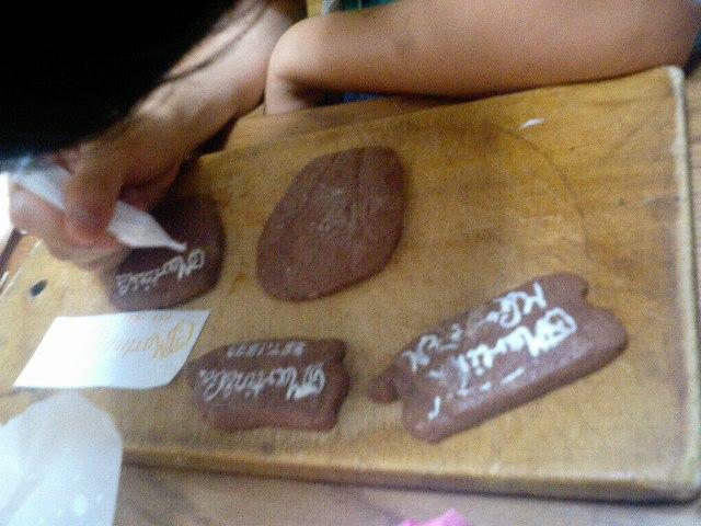 クッキー筆入れ