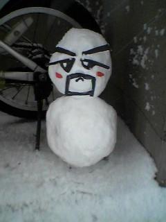 健介雪だるま