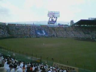 福岡工大城東の応援席の風景