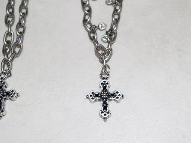 クロスのネックレス