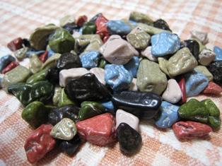 月の小石チョコ