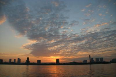 東京湾の朝01