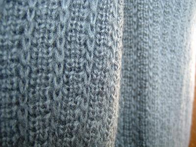 dELiAs-sweater02.jpg