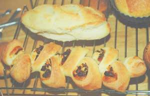 失敗フランスパンとベーコンエピ