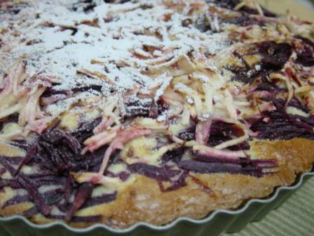 紫芋とりんごのケーキ