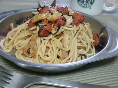 ひじきと油揚げのトマトパスタ