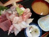 マグロ白身丼