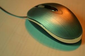 マウスを自動的にダイアログのボタンへ移動させる