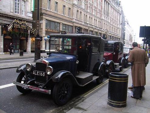 古いロンドンタクシー