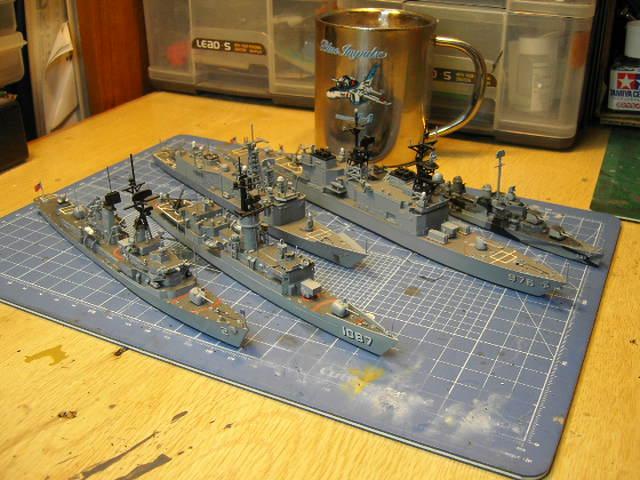 アメリカ駆逐艦?