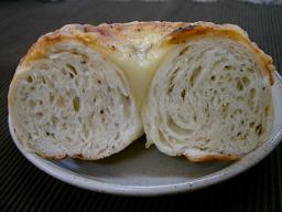オニオンペッパーチーズ断面
