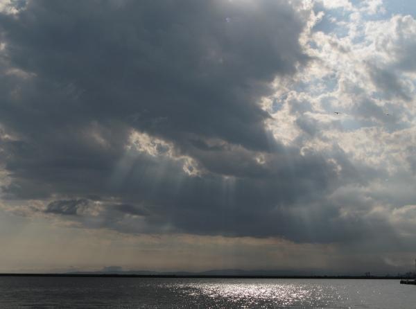 灰色の雲。。。