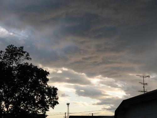 怪しい雲行き。。。
