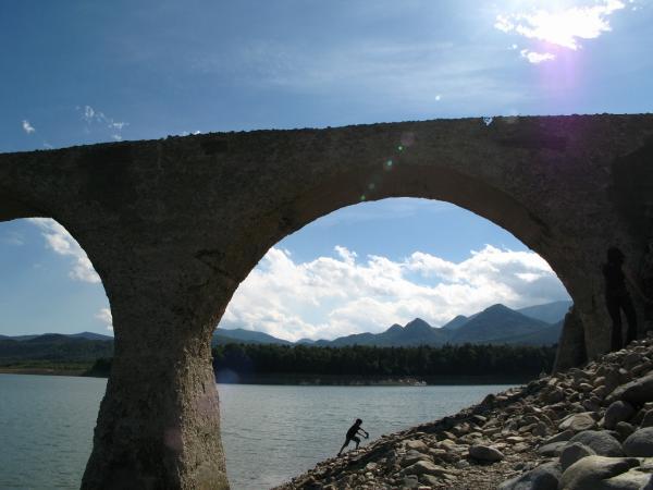 橋の向こうの景色