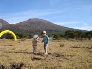 霧島連山を背に 2007.11.4