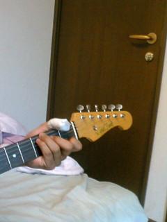 痛々しいギタリスト