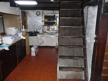 旧家の梯子・・・もとい階段