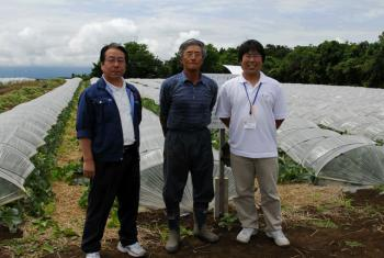 JA木造町:山本さん・樋口さん・片山さん(左から)