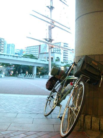 竹芝桟橋マスト広場前