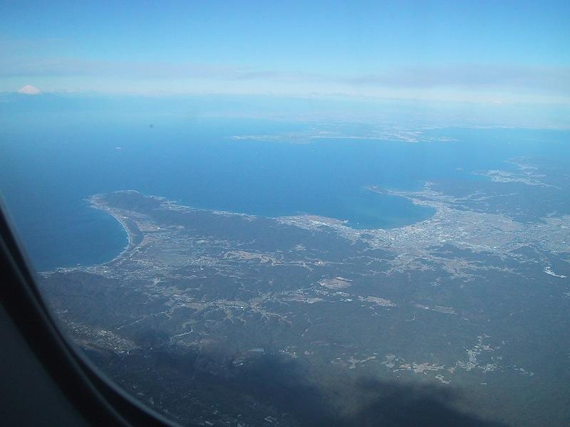 ■房総半島上空からみる富士山 【2003年12月訪問】